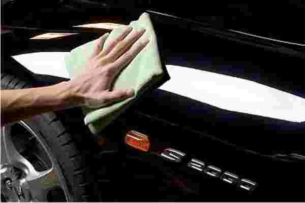 Professional car polishing service Brisbane